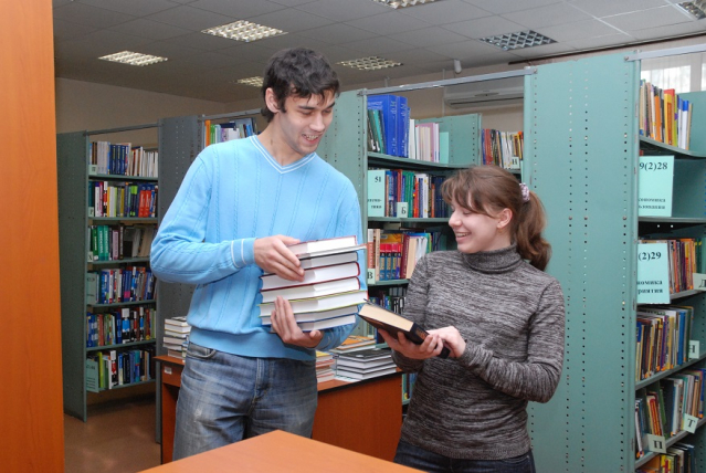 «Свидание вслепую» и библиокофе: библиотека ТПУ отметит 118-летие