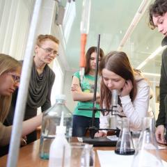 Провести эксперимент и отправиться на всероссийскую конференцию: ТПУ поможет школьникам сделать первые шаги в науку