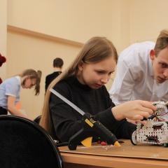 Школьники Сибири научились управлять инфраструктурой «умного» города на хакатоне в ТПУ