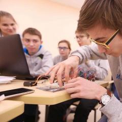 Студенты ТПУ стали волонтерами на финале Олимпиады НТИ в «Сириусе»