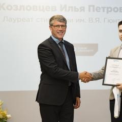 Двое политехников получили именные стипендии от компании «Микран»