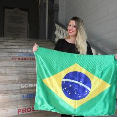 Из Сальвадора в Томск: как инженер-химик из Бразилии нашла в ТПУ новую профессию