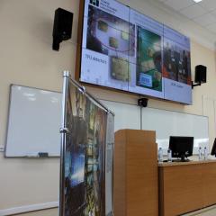 О темной энергии, элементарных частицах и работе в ЦЕРНе рассказали студенты и молодые ученые ТПУ