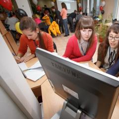 Первокурсники Института кибернетики смогут заниматься разработкой сайтов, приложений, игр и стать волонтерами Microsoft