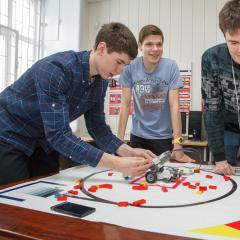Школьники Сибири соберут мобильных роботов-уборщиков и устроят соревнования по сбору мусора на хакатоне НТИ в ТПУ