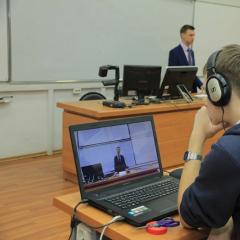 Университет на связи: студенты заочного отделения ТПУ пообщались с директором ИнЭО в ходе прямой линии