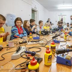 Томские школьники освоят профессии будущего и научатся создавать новые устройства на летней смене ТПУ «Юный инженер»
