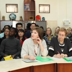 Преподаватели из Москвы, Кемерова и Новосибирска обсуждают в ТПУ обучение студентов из Китая русскому языку