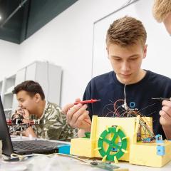 Российские школьники научатся управлять технологиями «умного» дома и города на Олимпиаде НТИ