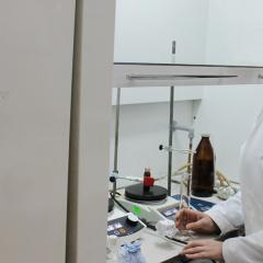 Молодой ученый из Великобритании ищет в ТПУ способ заменить дорогие металлы в органических реакциях на йод